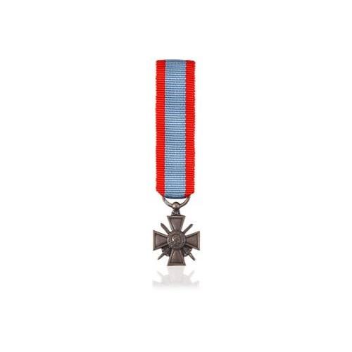 Réduction - Croix de Guerre T.O.E